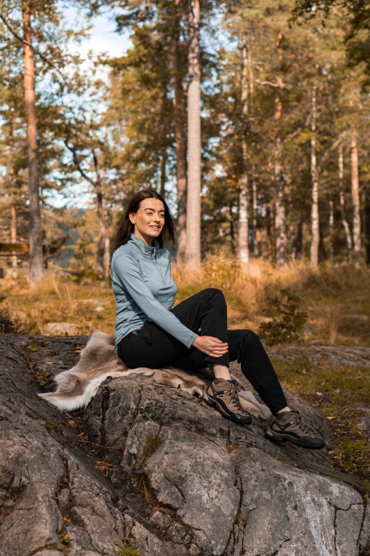 Model i marka med Twentyfour Oslo bambus HZ, grågrønn